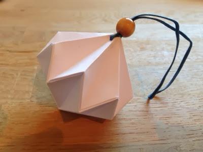 papirspynt origami diamant julepynt