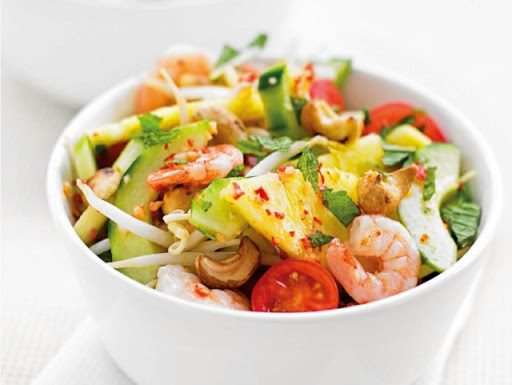 Asian prawn & pineapple salad