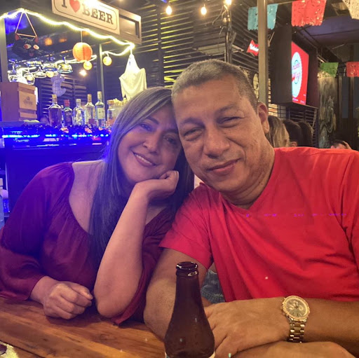 Adriana Valencia Photo 35
