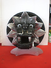 Photo: Kunst aus Reifen und Edelstahl Teile Quetzalcoatl individuelle Pokal Trophäe x-fighter Red Bull Motocross 2010 winner sculpture André Villa from Norway, the pokal is made out of tires and stainless steel by greek german metal artist Mirko Siakkou-Flodin