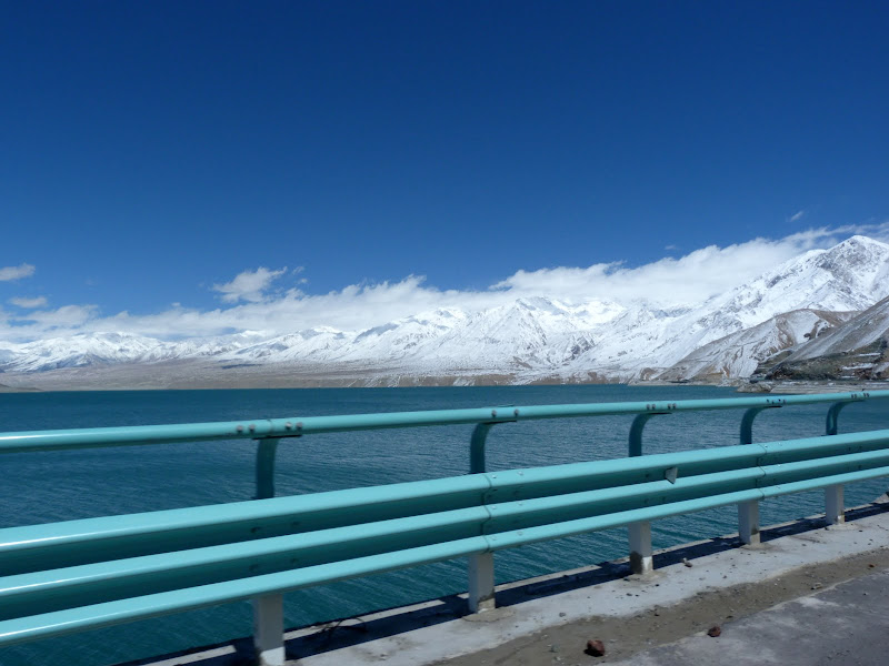 XINJIANG. Karakoram Highway, lune des plus haute route au monde, en passant a 4400 m - P1280490.JPG