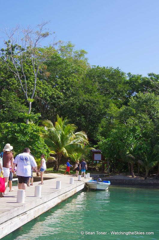 01-01-14 Western Caribbean Cruise - Day 4 - Roatan, Honduras - IMGP0897.JPG
