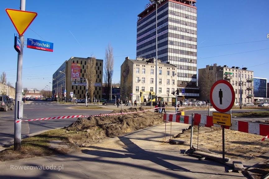 Skrzyżowanie z ul. Wróblewskiego - tutaj prace już trwają.