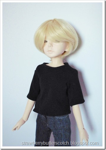 Doll-sized t-shirts with link to tutorial.