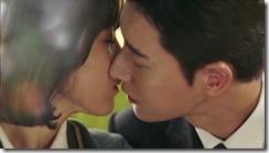 Seven.First.Kisses.E03.540p-SS.mkv_000615076_thumb