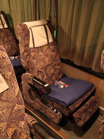 西鉄高速バス「さぬきエクスプレス福岡号」 3270 シート