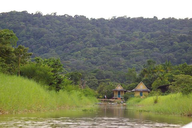 Le village de Kaw (Guyane). 18 novembre 2011. Photo : J.-M. Gayman