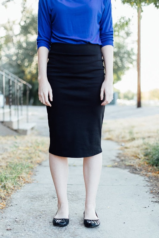 Black_pencil_skirt_close_up_1024x1024