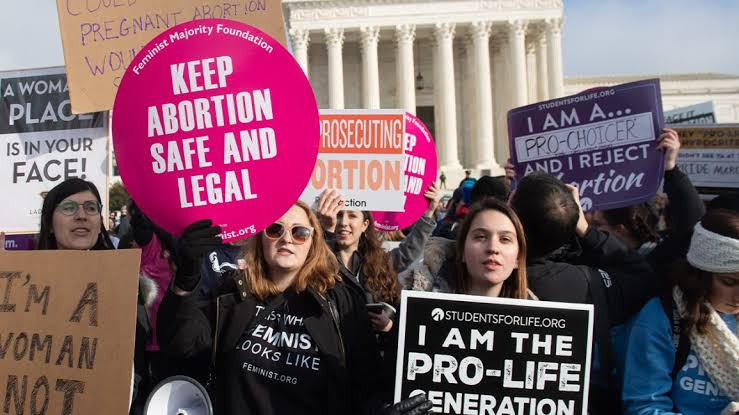 Texas Now passes law banning abortion after 6 weeks