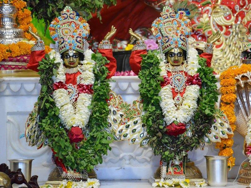 ISKCON Ahmedabad Deity Darshan 05 Mar 2016 (6)