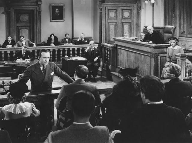 Ingin Bergaji Besar? Pilih Salah Satu dari 15 Pekerjaan Ini pengacara