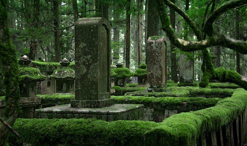 okunoin-cemetery-9