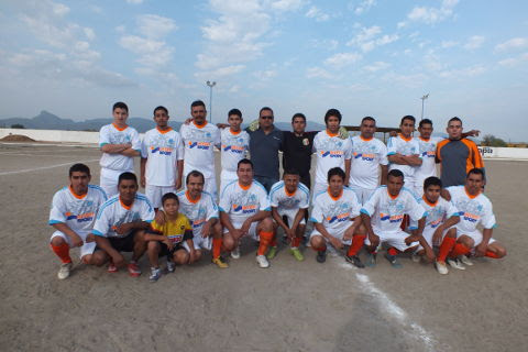 Equipo Armadillos del torneo de primera fuerza de la Liga Municipal de Futbol Soccer