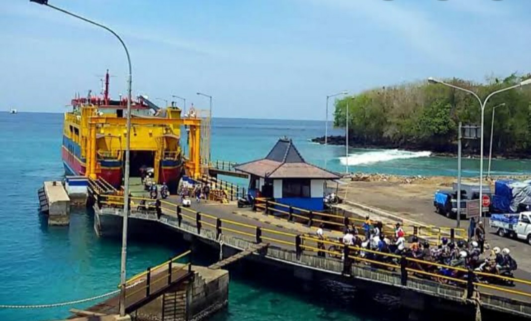 Polemik Pelabuhan Padangbai, Karangasem Bali