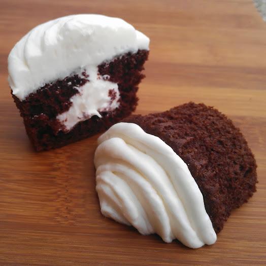Cream Filled Cupcakes #IScream4ID