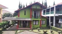 Villa Murah buat menginap 20 orang