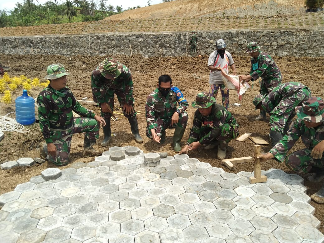 Danrem 071/Wijayakusuma Turun Tangan Bantu Pembangunan Sentra Perekonomian Masyarakat