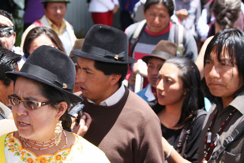 Assembly representative Lourdes Tiban, with CONAIE leaders Humberto Cholango and Manari Ushigua