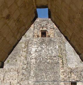 Magician pyramid (2).JPG