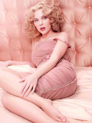 Scarlett Johansson en rosa