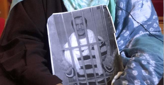 La familia del preso político saharaui Haddi teme lo peor, tras 69 días sin noticias suyas.