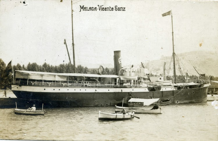 Vapor VICENTE SANZ en Malaga. Ca. 1912. Postal.tif