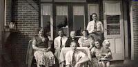 Kooij-v.d. Ham, familiefoto balkon.jpg