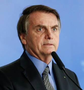 Covid-19: Bolsonaro estuda flexibilizar isolamento em cidades pequenas e médias
