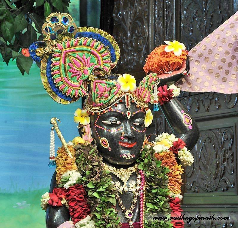 ISKCON Chowpatty Deity Darshan 14 Dec 2015 (16)
