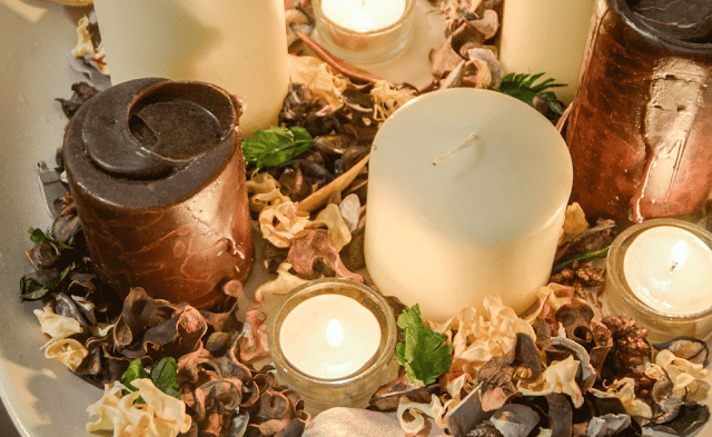Candles are often an excellent party favour for your anniversary.