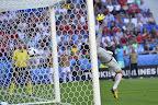 Dzsudzsák Balázs első gólja a franciaországi labdarúgó Európa-bajnokságon  Magyarország - Portugália mérkőzésen, Lyonban 2016. június 22-én. A kapuban Rui Patrício, a portugál válogatott kapusa. (MTI Fotó: Illyés Tibor)