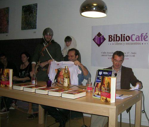"""Presentación de """"La loba de al-Ándalus"""", de Sebastián Roa en Bibliocafé"""