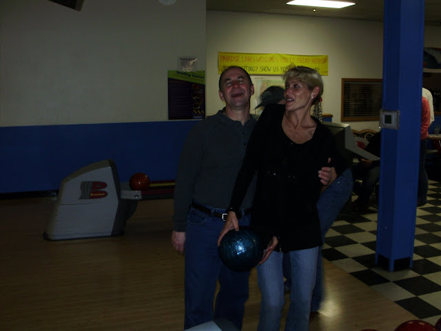 2009 Bowling and Bonfire - P3280401.JPG
