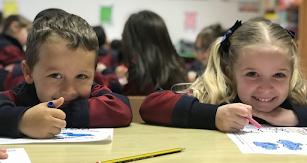 Los alumnos reciben una educación personalizada.