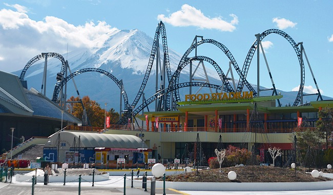 Fuji-Q Highland ( Image By : Japan-Guide.com )