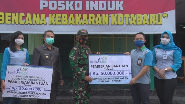 Peduli Korban Kebakaran Kotabaru, Bank Kalsel Gelontorkan Bantuan Rp100 Juta
