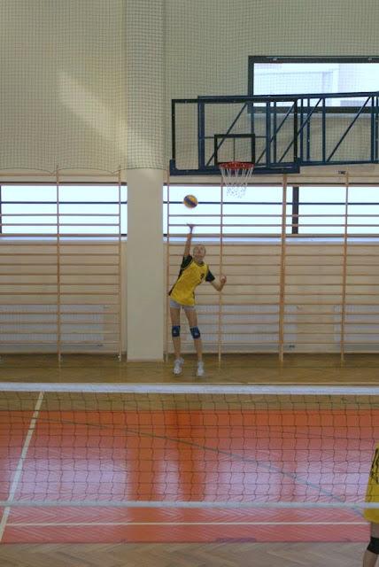 Zawody siatkarskie dziewczat 1 marca 2011 - DSC09340_1.JPG