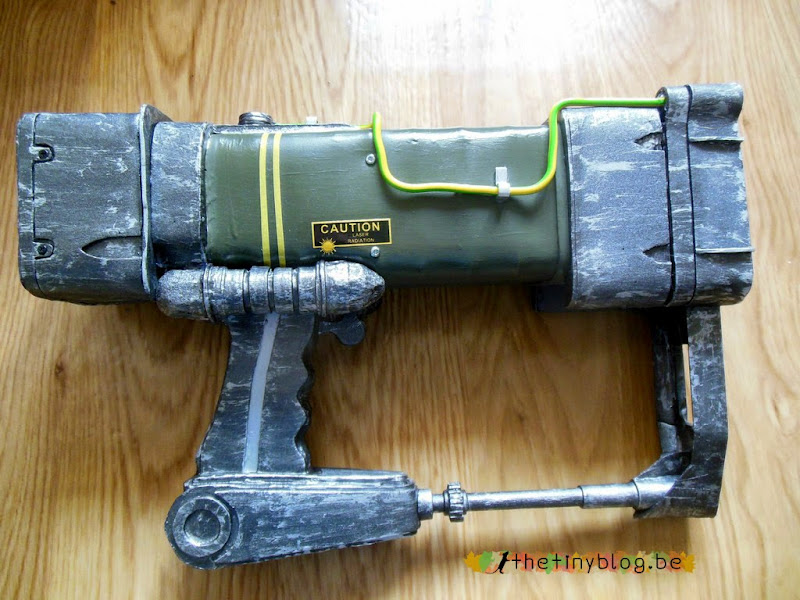 Cosplay Fallout Props AEP7 Laser Pistol