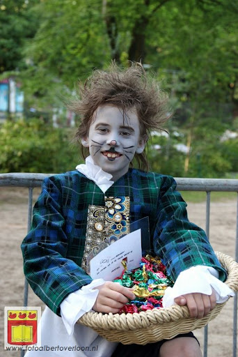 Alice in Wonderland, door Het Overloons Toneel 02-06-2012 (2).JPG