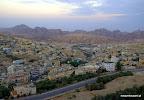 Zaraz po wschodzie słońca ukazała się Petra (na drugim planie) oraz Wadi Musi (na pierwszym)