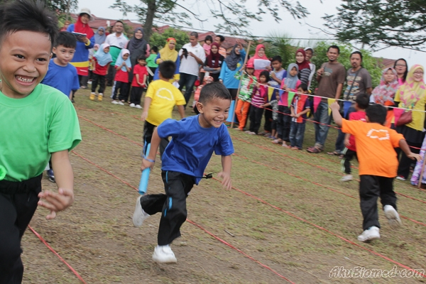 Acara lumba lari berganti-ganti lelaki 5 tahun