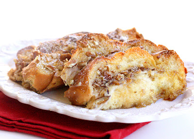 Overnight French Toast Casserole - easy breakfast and the perfect amount of sweetness.
