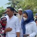 Tangis Haru Indo Tang Warga Sidrap saat Terima Bantuan dari Syaharuddin Alrif