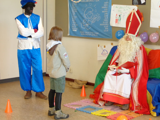 Sinterklaas op de scouts - 1 december 2013 - DSC00206.JPG