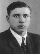 Федор Муравченко - студент ХАИ. 1948 г.