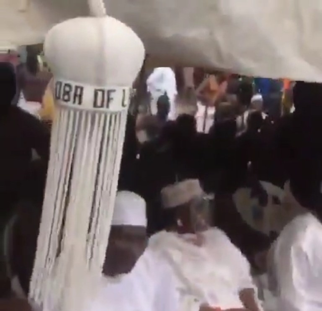 Just In: Ongoing Ritual Rites To Welcome The Oba And His Staff Of Office Back To The Palace (photos/videos)