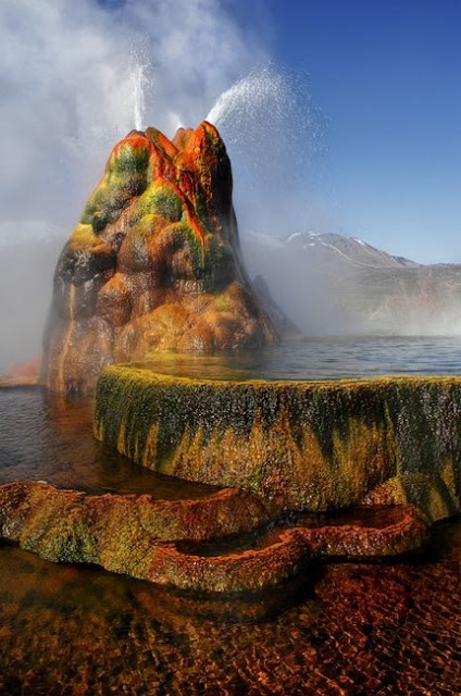 10 - Fly Geyser - Nevada
