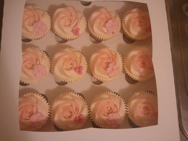 Cupcakes  الكعك ((فقط من أمواج )) صور  2011-05-05%25252021.13.58