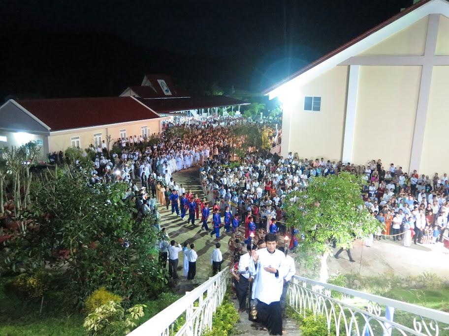 Hình ảnh Giáo hạt Cam Ranh hành hương Đền Thánh Mẹ Nhân Lành - Khánh Vĩnh thứ Bảy ngày 2/7/2016