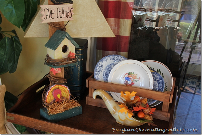 Give Thanks Bird House in Fall Vignette